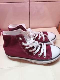 🚚 Lativ 高筒帆布鞋 紅色