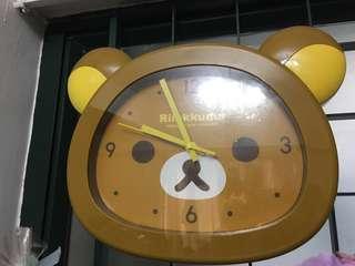 鬆弛熊靜音掛牆鐘