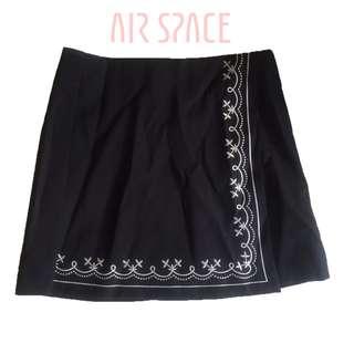 台灣品牌 AIR SPACE high-waisted skirt tribal短裙 S