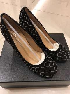 Chanel 麂皮圓頭跟鞋37號-低於二點五折出清