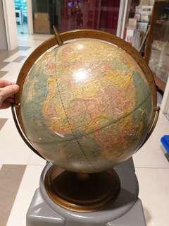 "1960's 12"" globe. Metal base"