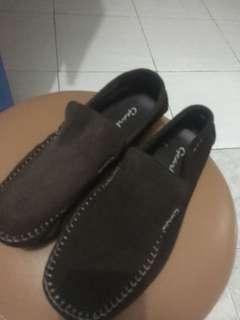 Sepatu Casual Gearbox
