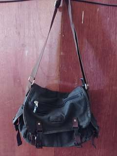 Canvas messanger bag brown