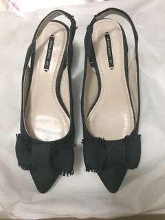 Preloved zara black sling shoes with ribbon sz37