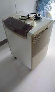 DeLonghi DN125 Dehumidifier
