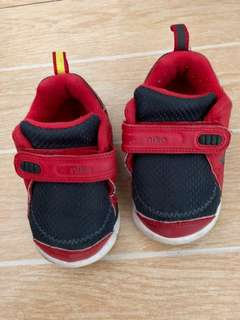 Nike red black shoes