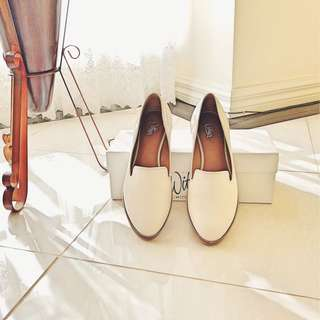Wittner leather  flats in Cream