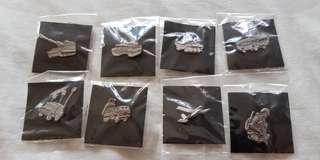 Army collar pins