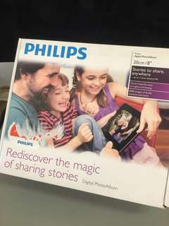 全新 PHILIPS Digital PhotoFrame