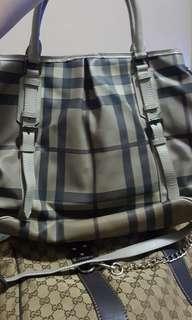 Burberry bag / sling (large)