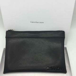 AUTHENTIC CALVIN KLEIN CLUTCH (UNISEX)