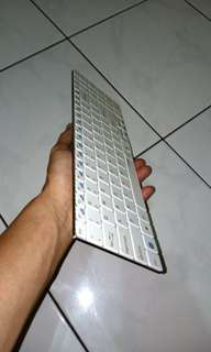 RAPOO E9070 Wireless Ultra-Slim Keyboard - Blade Series White
