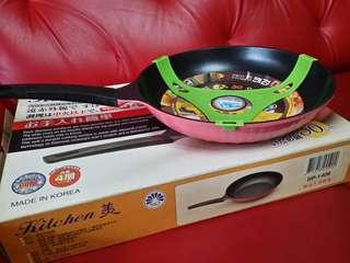 🚚 韓國製造 鑽石平底鍋 內徑30cm