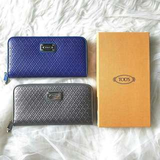 Tods wallet size : 20cm x 10cm