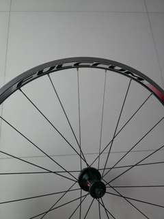 Price Lowered to clear..Fulcrum Racing 5 wheelset