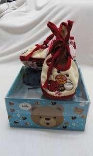 sepatu merah bunga tali