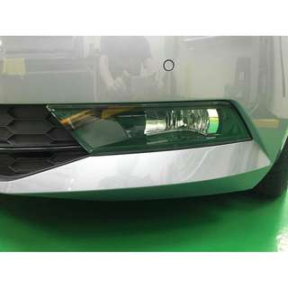 【騰信車體包膜】Skoda Superb霧燈美國頂級TPU犀牛皮保護膜包膜