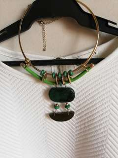 NECKLACE FOR FORMAL AND CORPORATE EVENTS