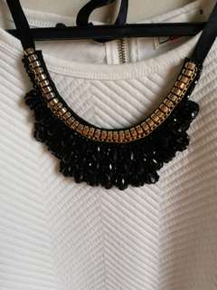 NECKLACE FOR CASUAL OR FORMAL EVENTS