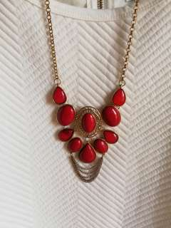 NECKLACE FOR FORMAL OR CORPORATE EVENTS