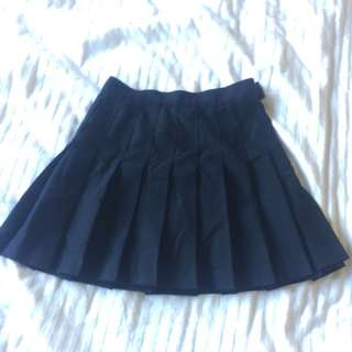 Black high waisted pleated tennis skirt