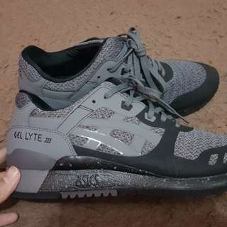 Asics gel lyte III ns carbon size 41.5