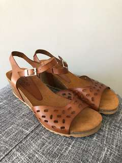 Yokono wedge sandals -made in Spain EU39