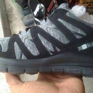 Sepatu running Karrimor duma