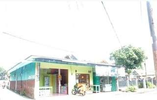 Rumah pinggir jalan belakang kampus IPI Garut