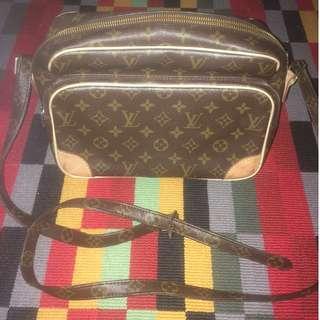 Louis Vuitton Sling Bag Original