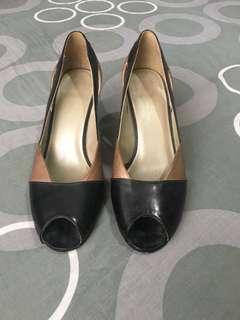 Preloved high heel shoes