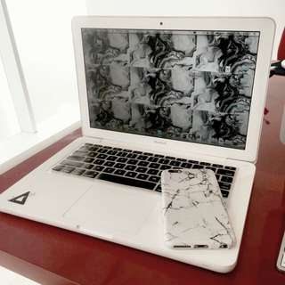 Macbook unibody 13inch white
