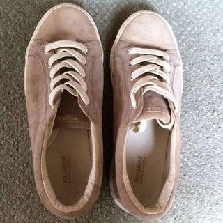sepatu pull and bear #mausupreme