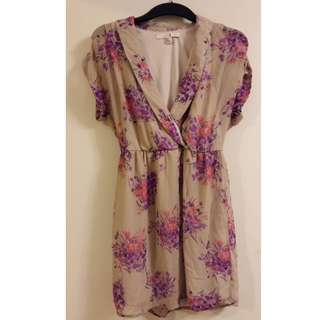 Forever 21 flowery dress - size M