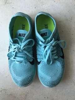 Nike Flyknit Women's Sneakers