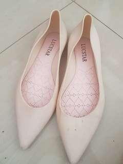 Sepatu Lancip Cetar