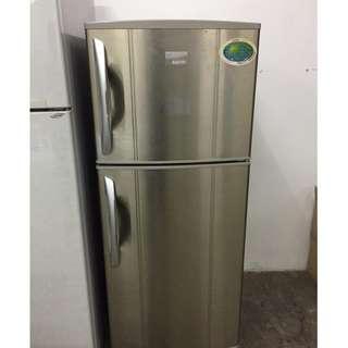 Gold Sanyo Refrigerator Fridge Peti Ais Recond