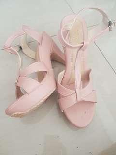 Sepatu Highells Cetar