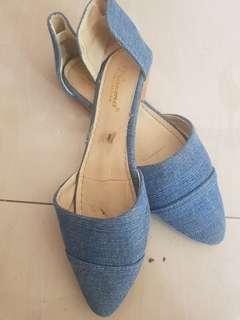 Sepatu Levis Cetar
