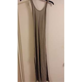 Grey maxi dress with slit on both side - size S