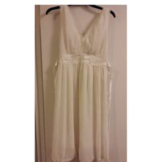 White summery dress - size S or M