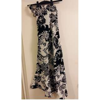 Backless black and white dress - size S