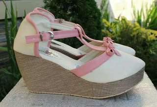 Wedges PW11