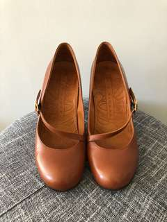 Chie Mihara - Tan Mary Jane shoes 39.5