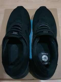Hi-Tech Trail RubberShoes