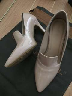 Sexy office heels (4 pairs)