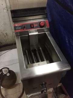 Deep Fryer GAS 17 Liter Single Tank