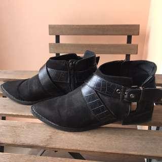 H&M black boots
