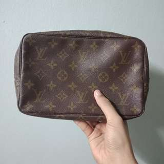 Vtg's Louis Vuitton Monogram Clutch Bag