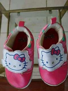 Pre-walking shoes